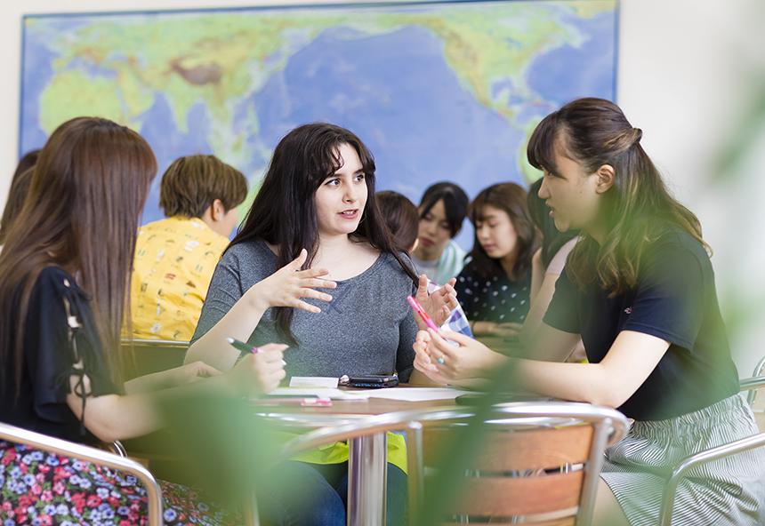 グローバルコミュニケーション学群